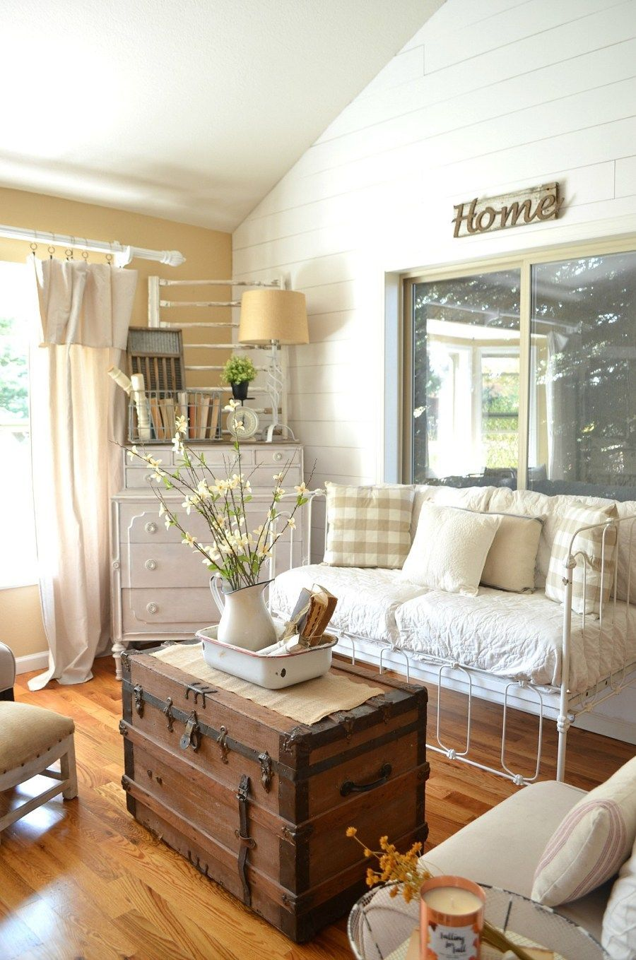 27 Rustic Farmhouse Living Room Decor Ideas For Your Home Farmhouse Decor Living Room Farm House Living Room Farmhouse Living Room Furniture