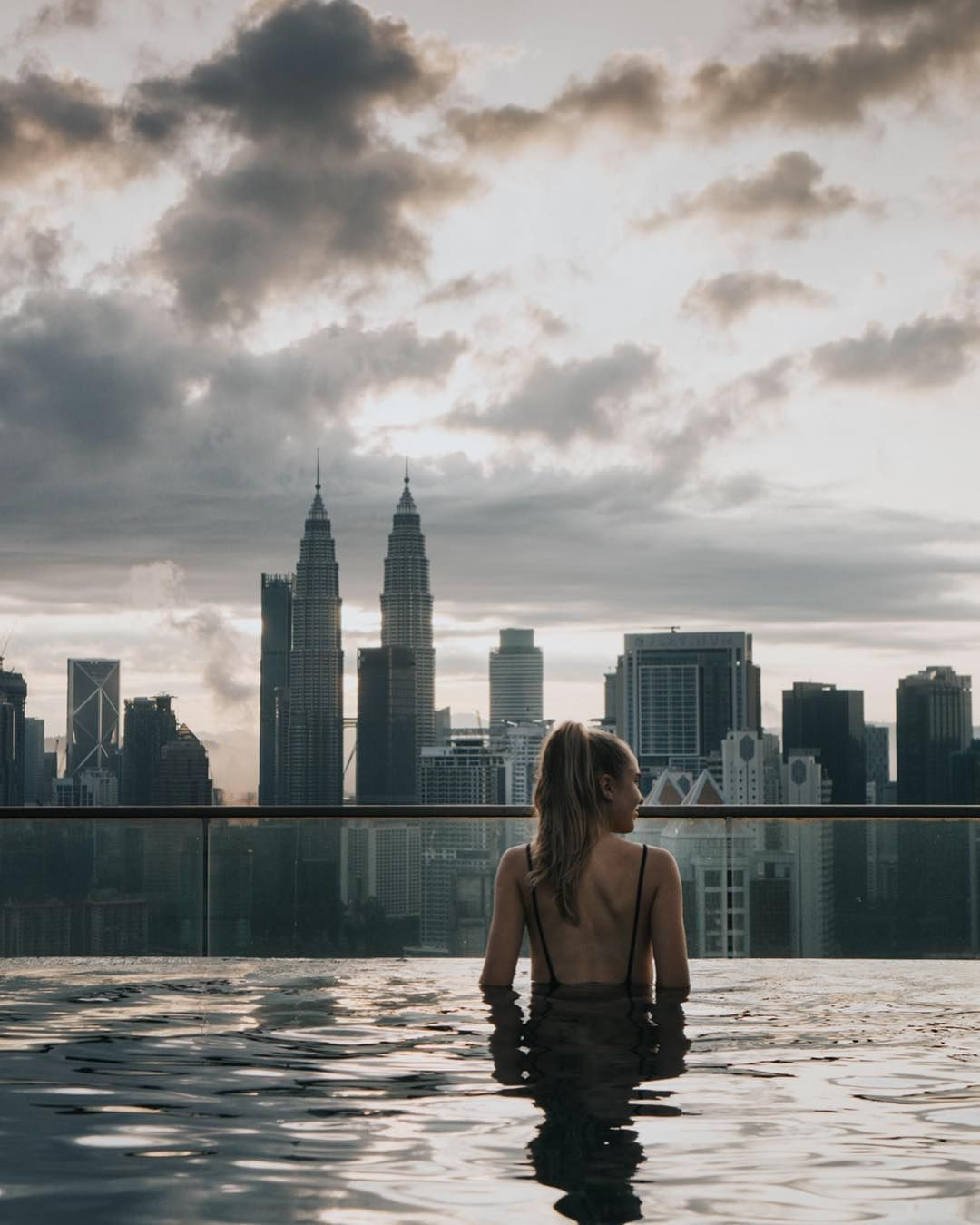 Travel Girl Exploring The World New York Rooftop Rooftop Pool