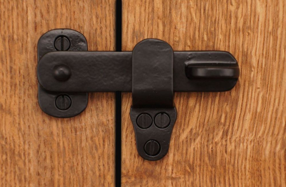 A Single Elegant Black Flip Latch That Can Be Used For Cabinets Small Doors Shutters And More Small Square Screw In Cat Lockers Barn Door Latch Metal Decor