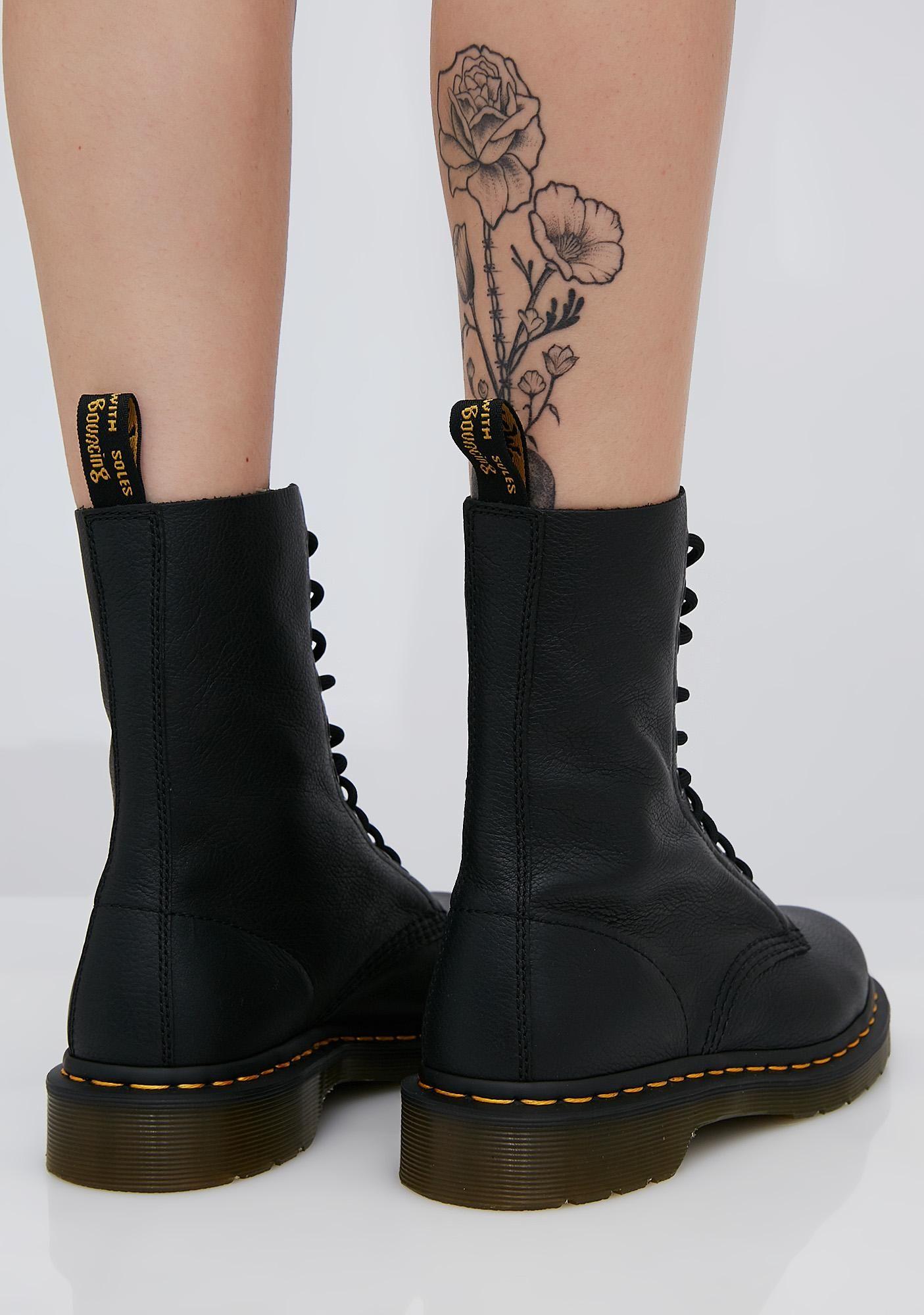 be27e242c082 Dr. Martens 1490 Virginia Boots