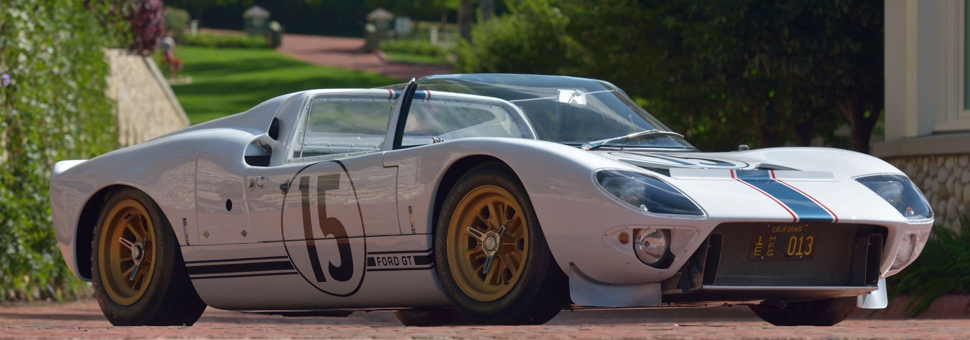 Ford Built Five Gt40 Roadsters But Only One Raced In The Ford