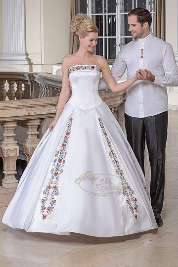 92-kalocsai mintás esküvői ruha  01e07b3ff2
