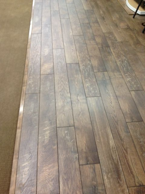 Historic Oak In The Charcoal Color At Its Best 12 Board Repeat Really Makes A Difference