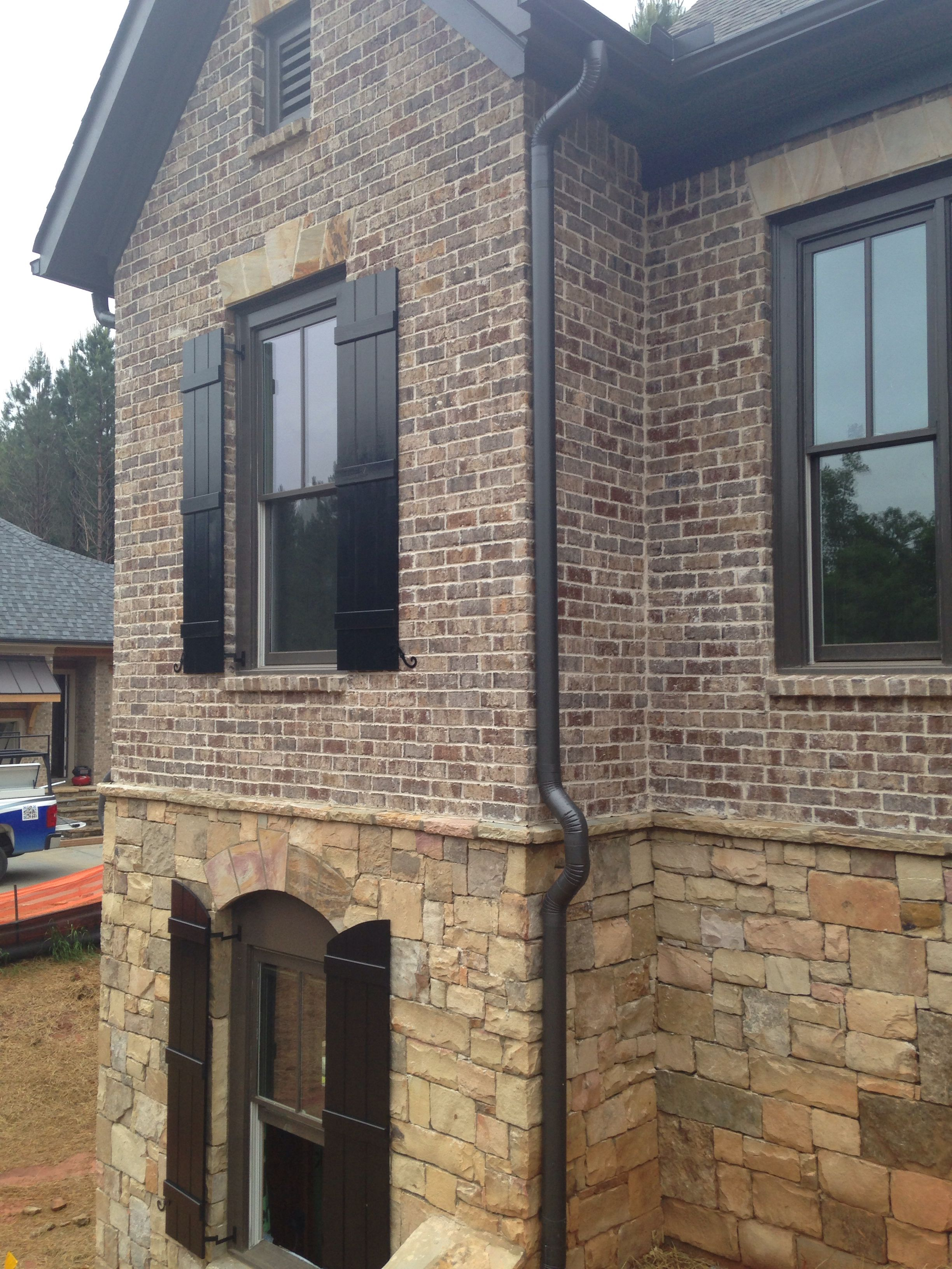 Brick harbor shoals mortar ivory brick close ups in 2019 - Houses with stone and brick on exterior ...