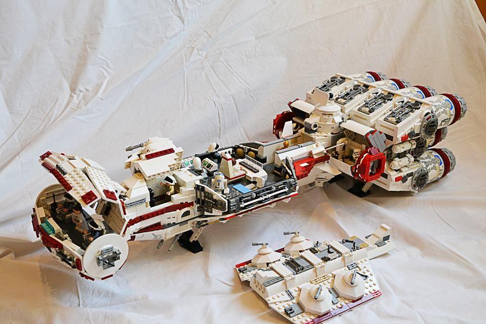 A Híres Corvette 10019 és 10198 As Készletek Veynom által Enyhén Továbbfejlesztett Változata Lego Spaceship Lego Star Wars Sets Lego Star Wars