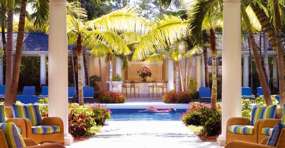 Sur une île portant le nom de Paradise Island, se trouve un endroit enchanté, bordé de plages de sable blanc et d'eaux turquoise chaudes.