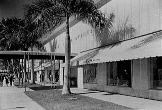 68fc2d37c3b Saks Fifth Avenue - Miami Beach