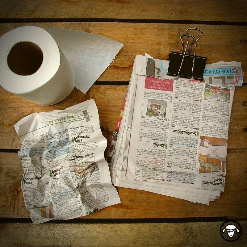 Le Papier Journal Fait Le Boulot En Guise De Papier Toilette Il N