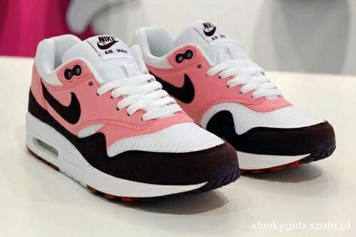 huge selection of 33dfa a2361 Imagine nike, pink, and shoes