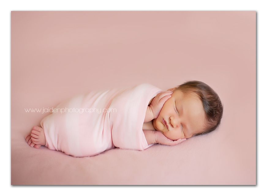 Confessions of prop junkie newborn posing workflow