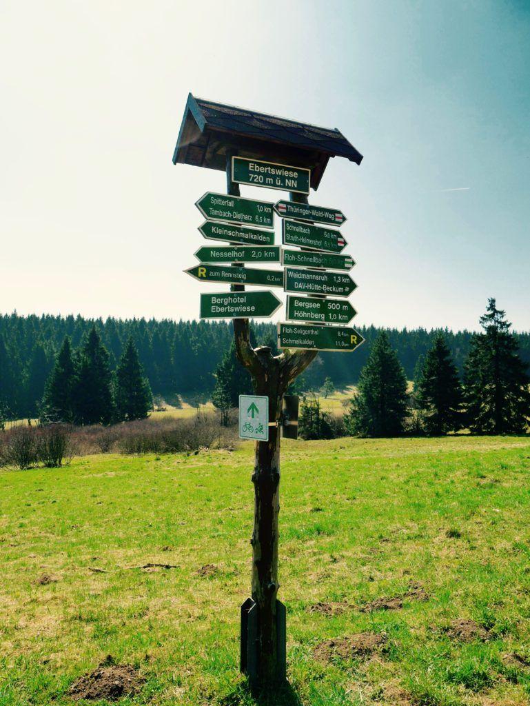 Wandern Im Thuringer Wald Der Marchenhafte Bergsee Ebertswiese Bergsee Thuringer Wald Wandern