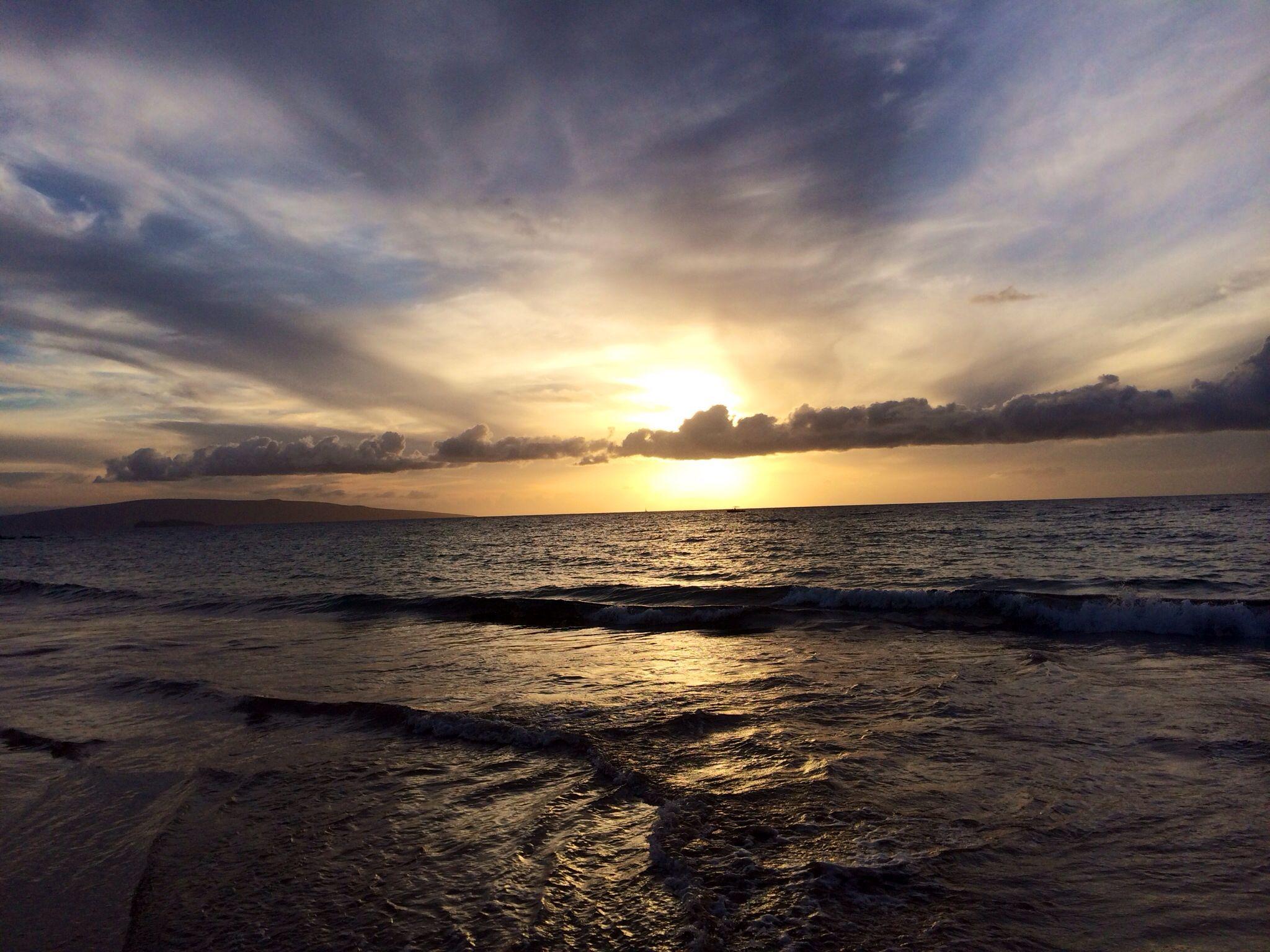 Sunset in Maui, Hawaii.   #hawaii #maui #sunset #wailea