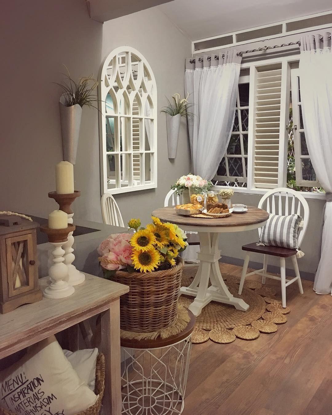 Desain Interior Ruang Makan Minimalis Tema Vintage Dengan Furnitur Klasik Inspirasi Desain Rumah Terkini Dan Anda Pasti Sudah Desain Interior Interior Rumah