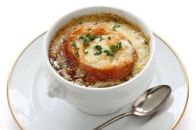 Soupe gratinée à l'oignon légère | Souper léger, Soupes et