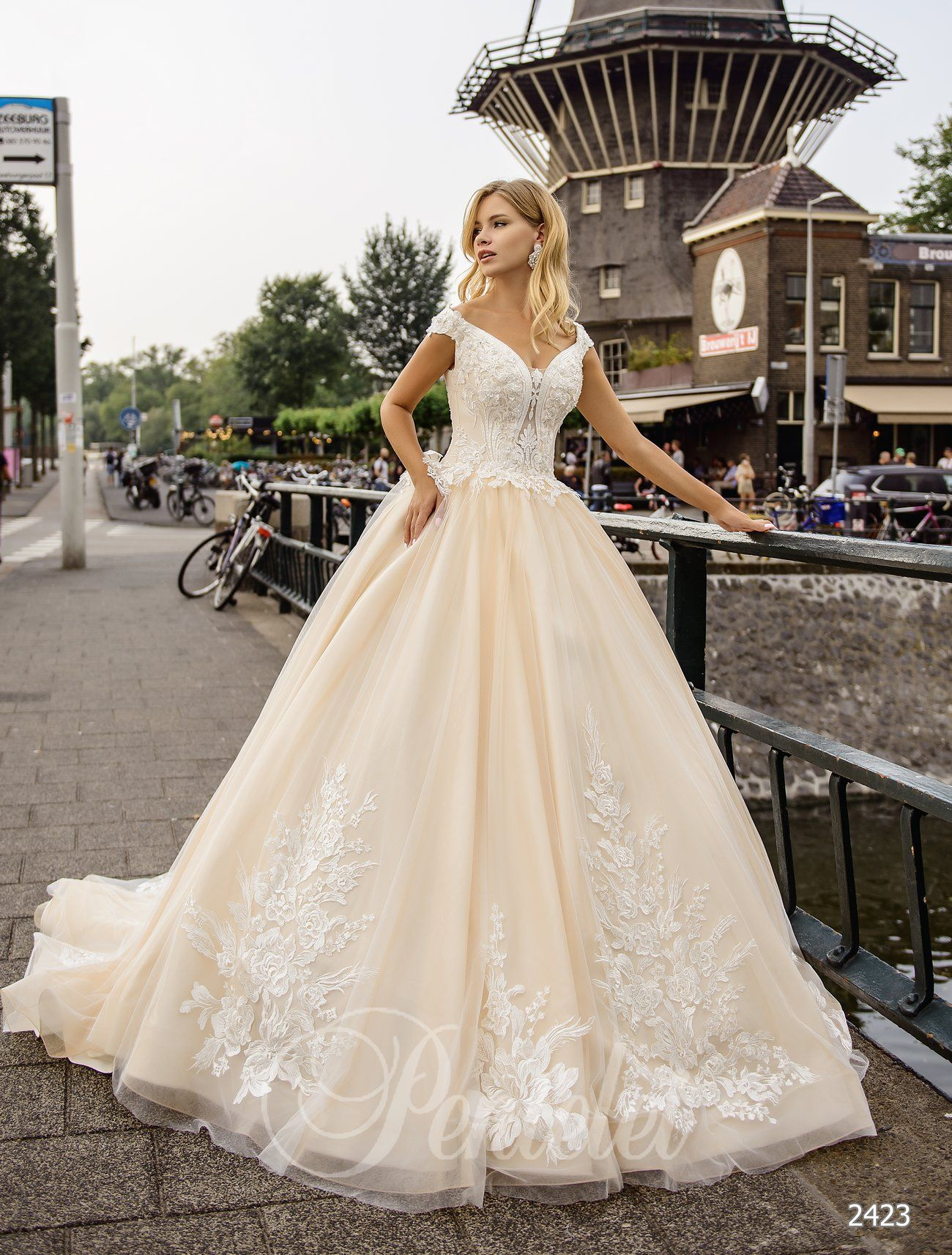 735897a0a6 Wholesale Wedding Dresses, Chic Wedding Dresses, Wedding Gowns, Bridal Gowns,  Beautiful