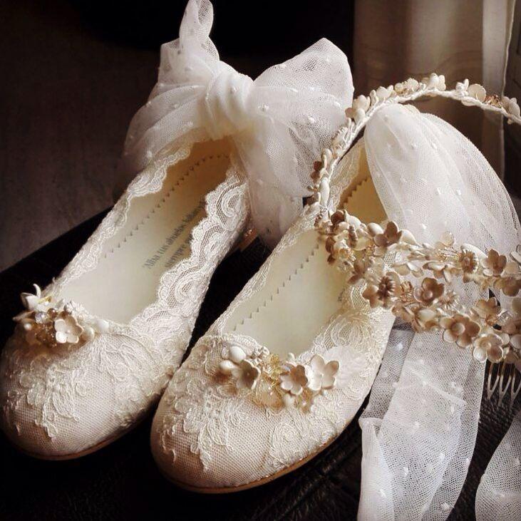 Zapatos y tocados para comunión .