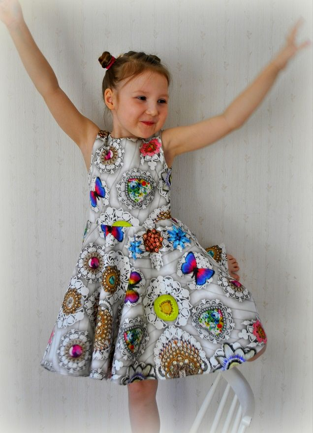 OPERATING MODEL: party dress