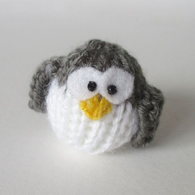 https://www.ravelry.com/patterns/library/teeny-penguin | Crochet ...