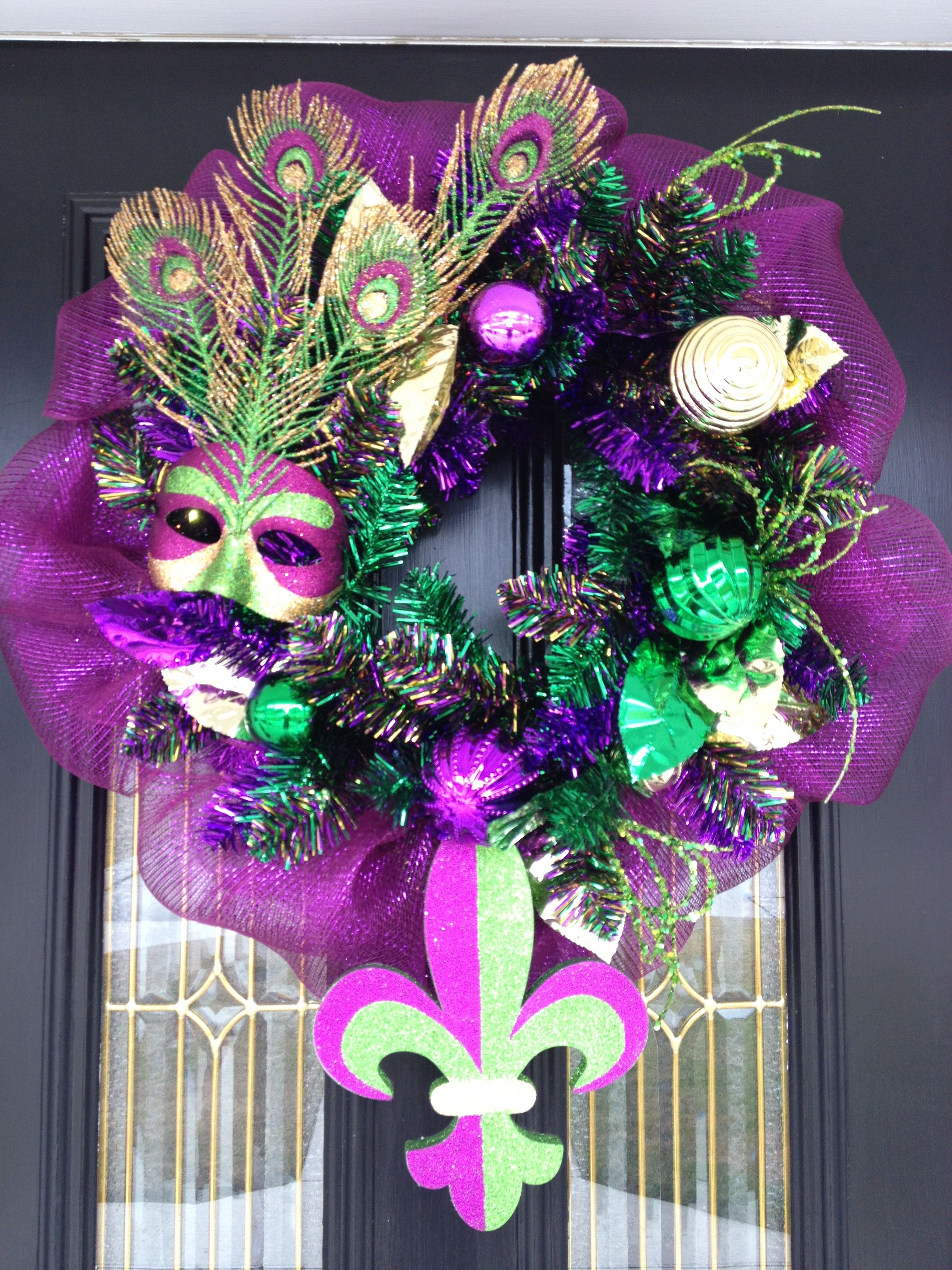 Imgur Com Mardi Gras Centerpieces Mardi Gras Party Decorations Mardi Gras Crafts