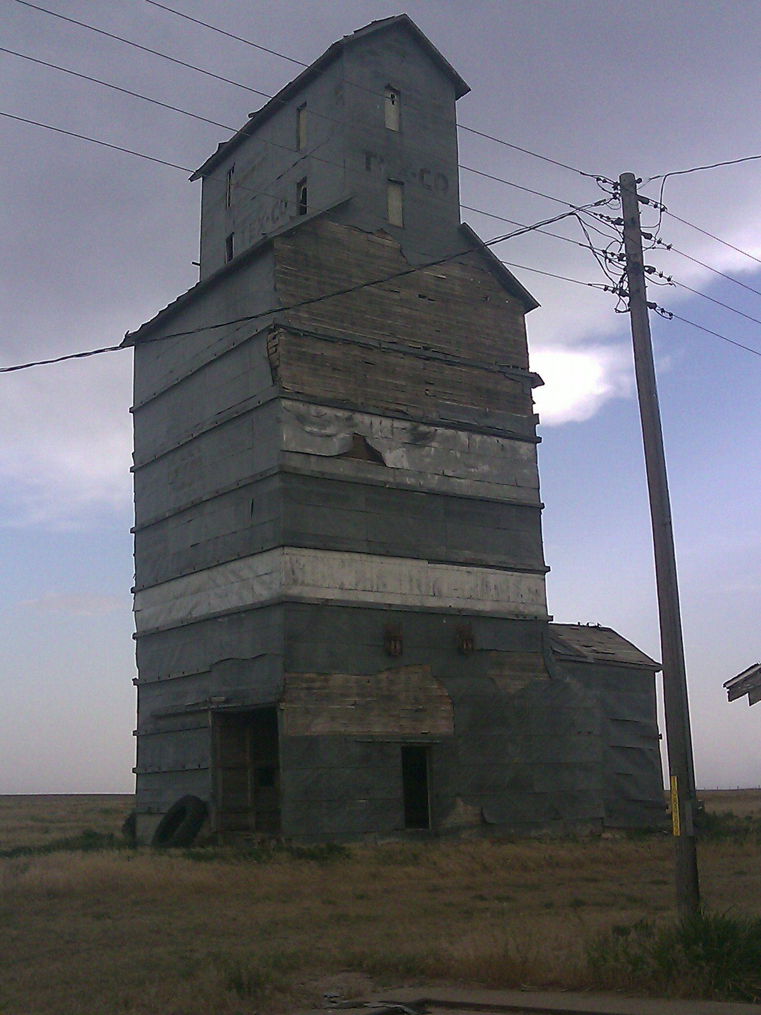 Grain Elevator In Adams Ok Where Mom Worked Grain Silo Old