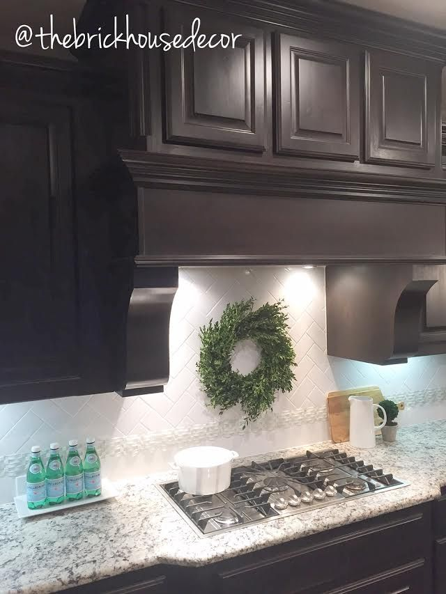 Pleasing Kitchen Decor Dark Cabinets Herringbone Backsplash Home Interior And Landscaping Spoatsignezvosmurscom