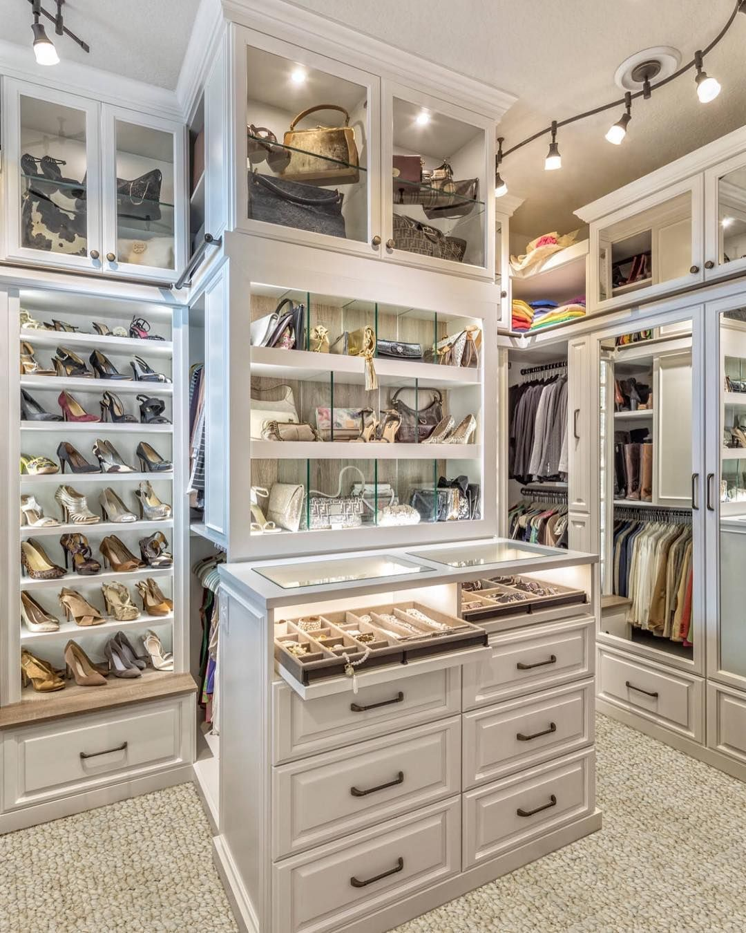 La Maison Du Dressing best dressing room interior design for inspiration | Лучшие