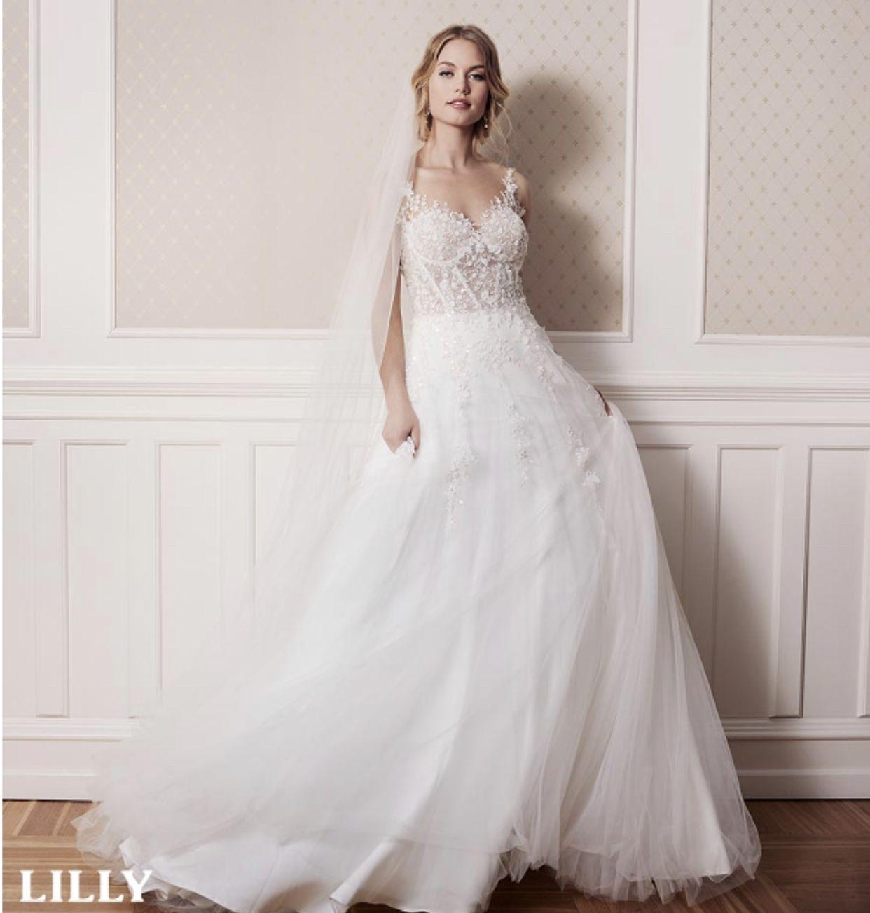 LILLY Brautkleid im Korsett-Stil  Bridal style, Wedding dresses