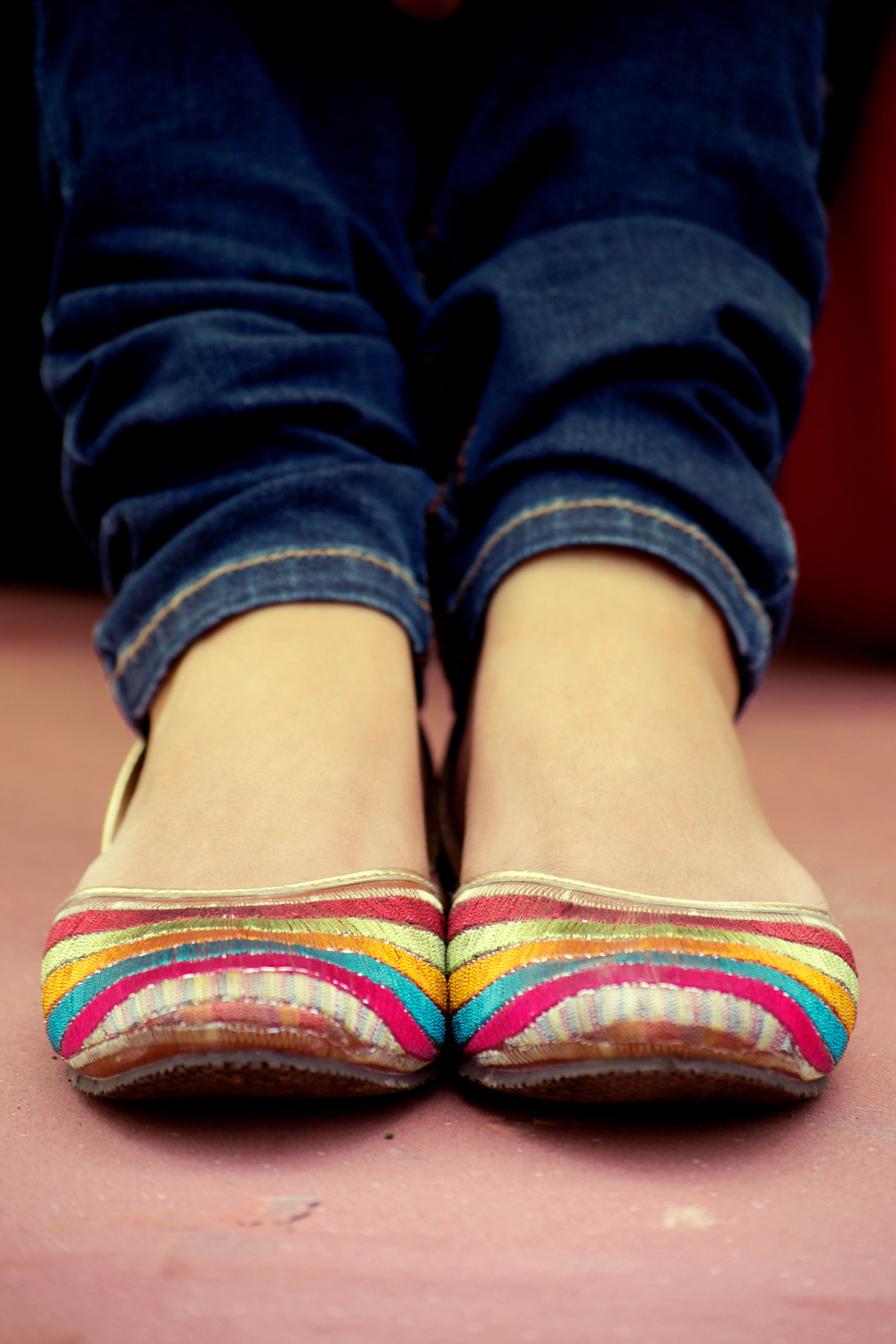 Buy Khussa Multani feet wear collection for ladies pictures trends