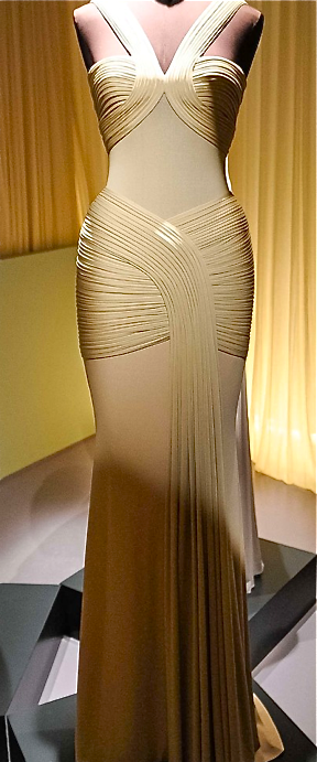 I would have to buy a body tight enough to get into this...aw what the hell; I'm pinning it anyway! Cuz it's a bad ass dress.