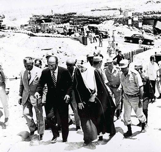 السادات والملك فيصل ملك السعودية فى صورة نادرة لزيارة مواقع