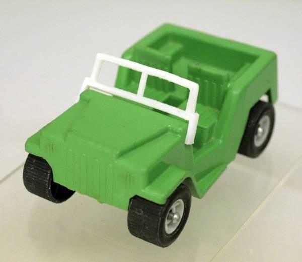 VIKING PLAST SWEDEN Art. No. 102: Army Jeep ¨Willy¨ ca. 1:36 in Wetzikon ZH von cyan74 kaufen bei ricardo.ch
