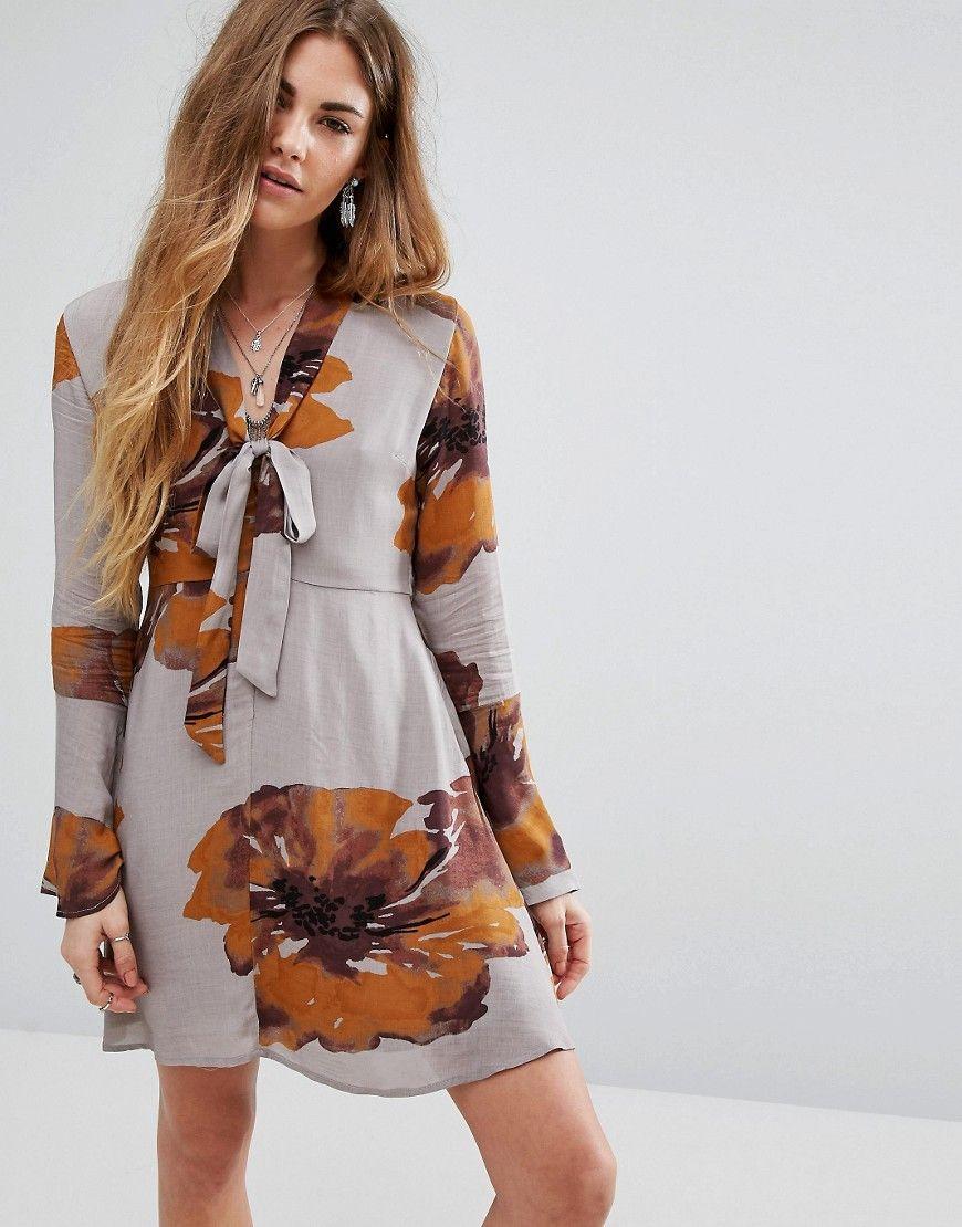 Honey Punch - Kleid mit Knopfleiste vorn und Bindeband am Kragen