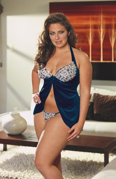 fb9e56030a9 Lingerie Tips for a plus-size girl