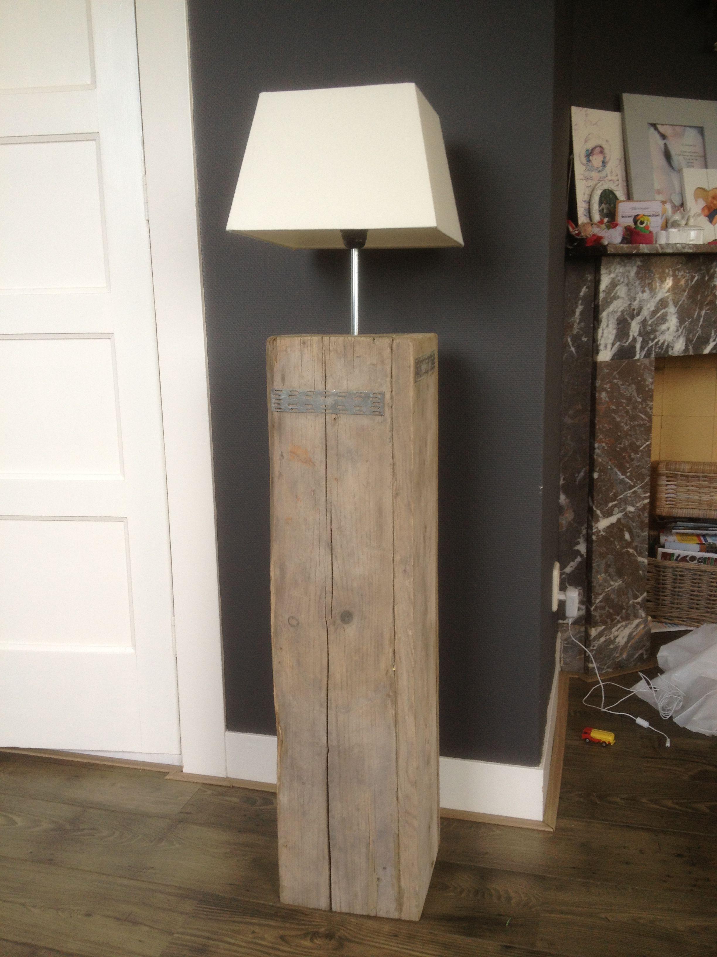 Lamp van oud steigerhout | Meubels | Pinterest | Magen, Holzarbeiten ...