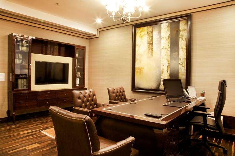 Office manager 39 s cabin interior solutions for Office cabin interior
