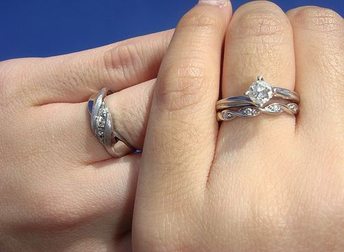 Engagement story sweepstakes