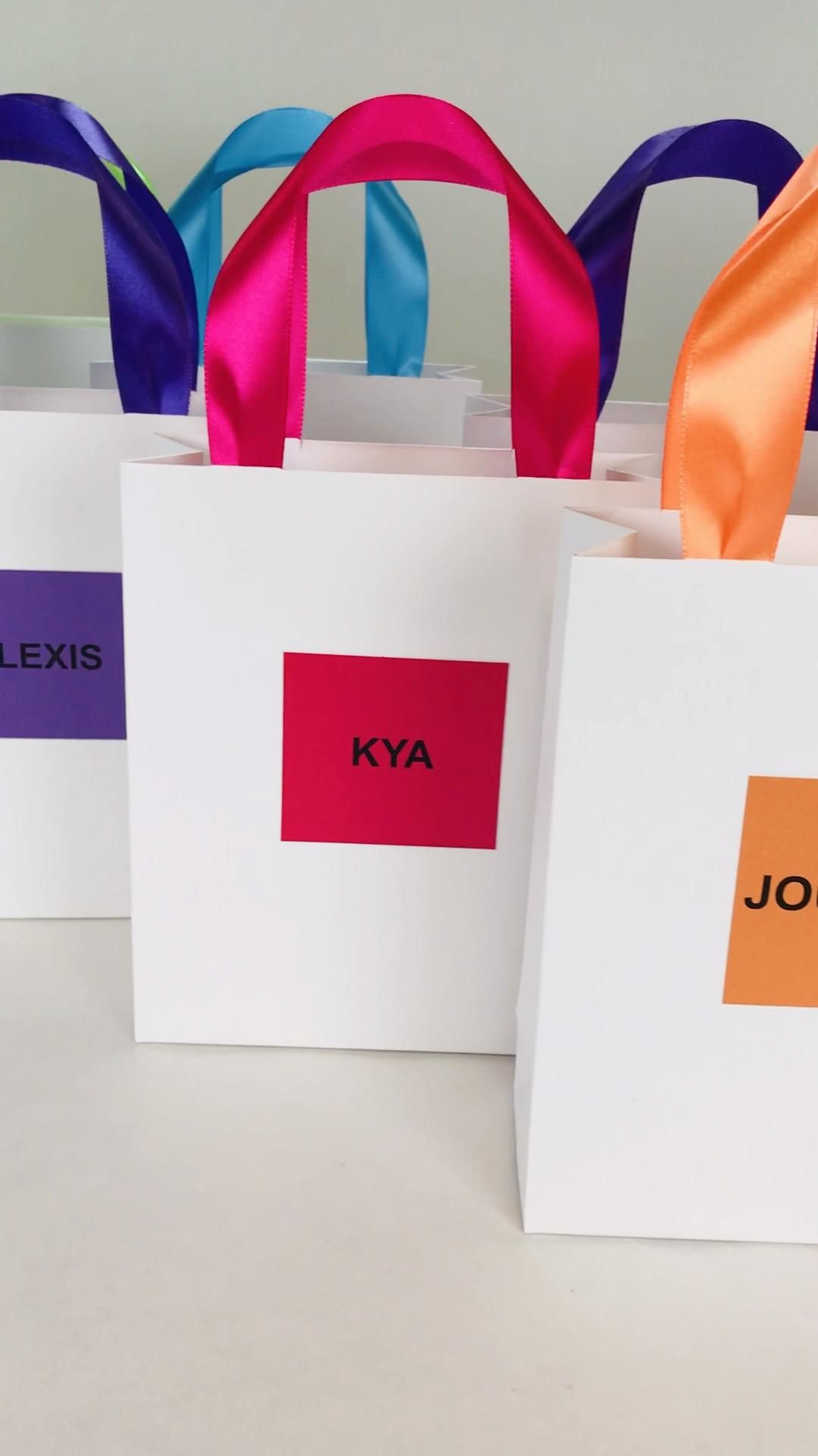 Bridesmaid S Gift Bag With Custom Names Personalized Etsy Video Video In 2020 Personalized Brides Gifts Bridesmaids Gifts Bridal Shower Favors