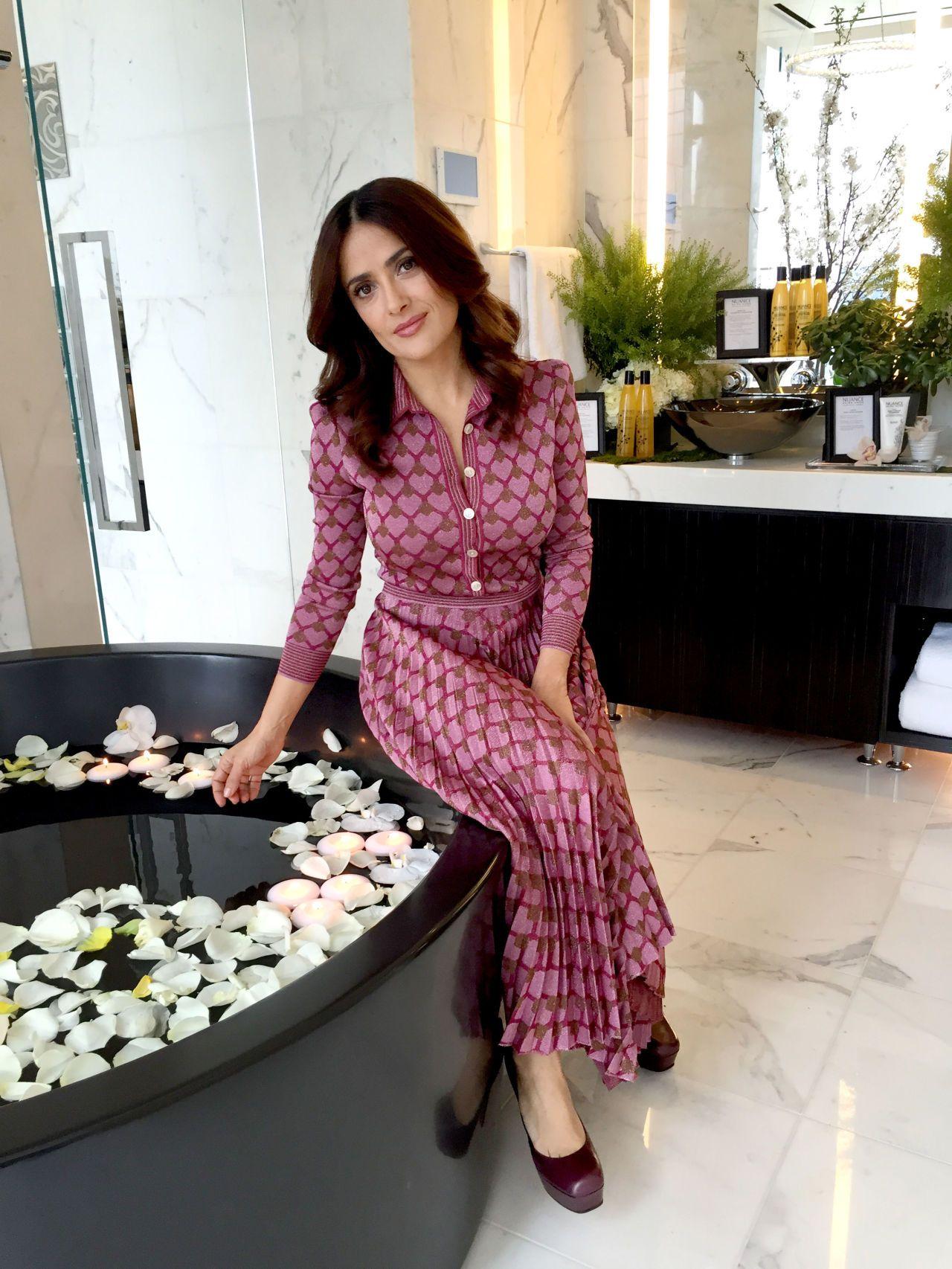 Salma hayekus home buscar con google salma pinterest salma hayek