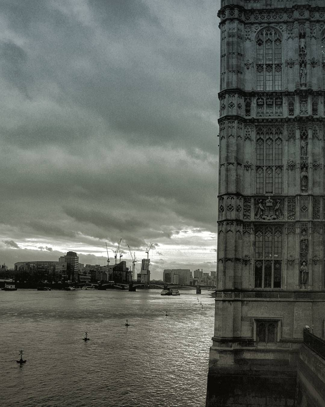 Good morning!  #goodmorning#love#london#city#river#thames#view#dark#sky#clouds#december#winter#igers#uk#england#instago#travel#wanderlust#architecture#old#new#palace#awesome#skyporn#instagood#l4l#nikon#photo by r.u.n.e_