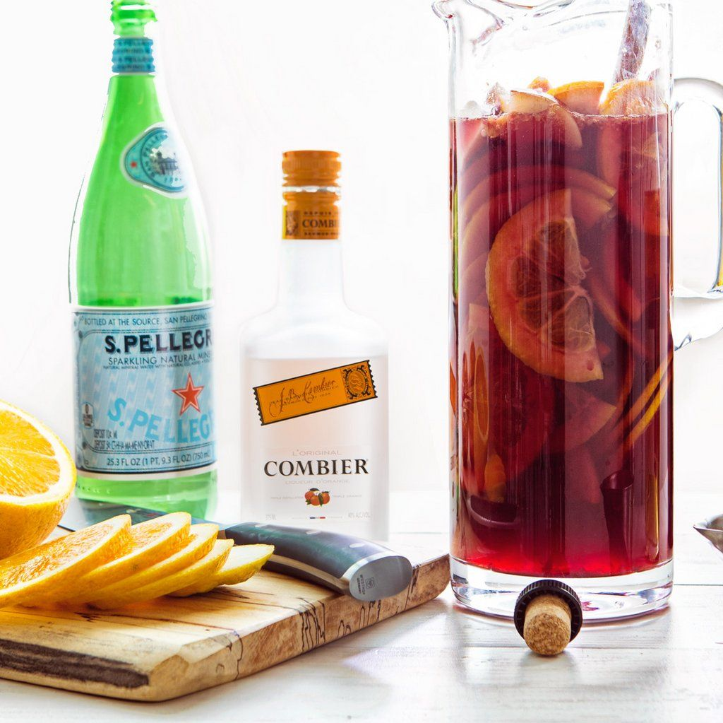 How To Make Sangria Without A Recipe How To Make Sangria White Wine Sangria Pitcher Cocktails