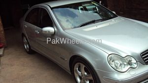 Used Mercedes Benz C Class 2006 Car For Sale In Islamabad Benz C Used Mercedes Benz Benz