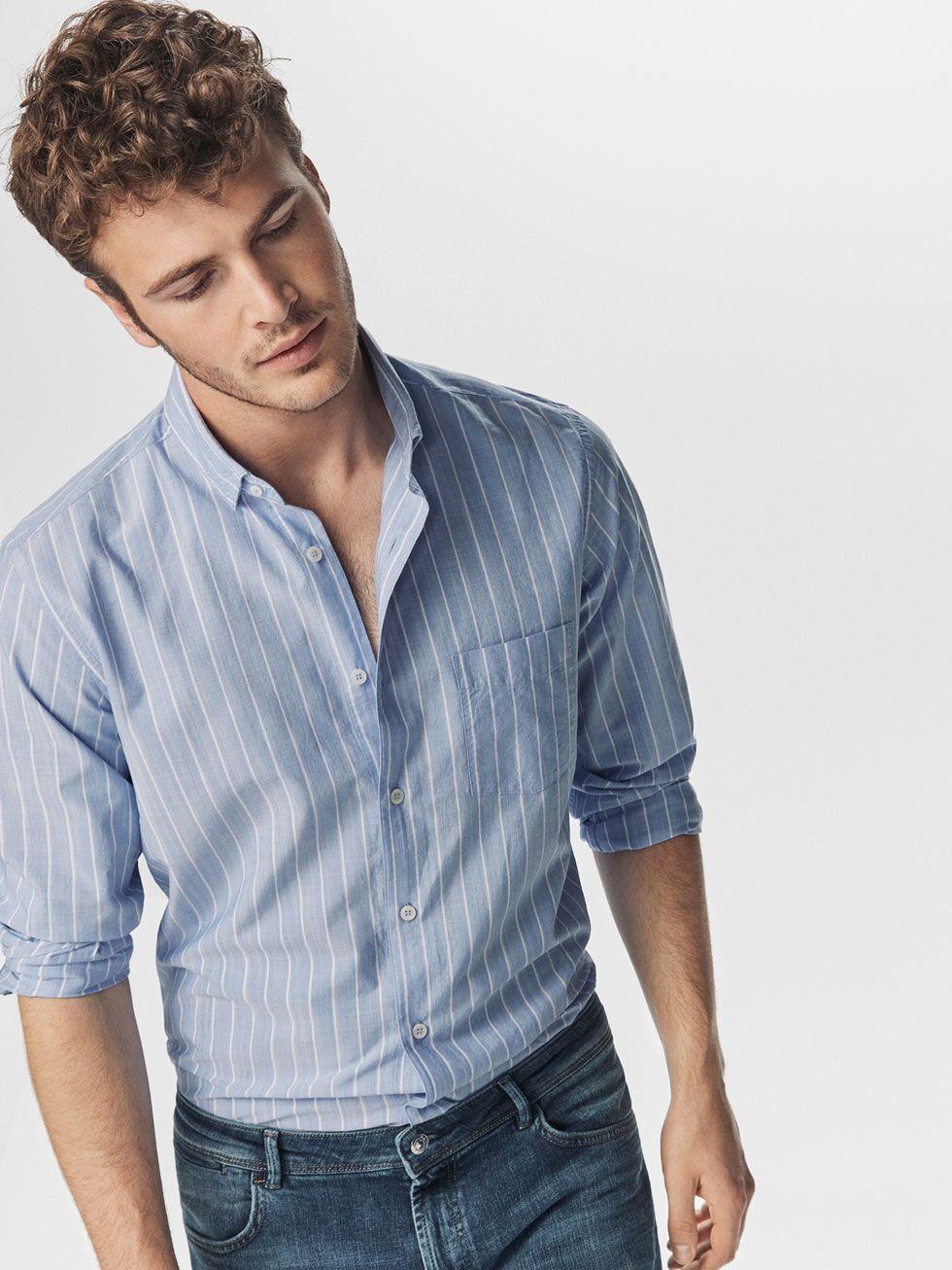 a42aefc027ebc CAMISA CELESTE DISEÑO RAYAS BLANCAS CASUAL de HOMBRE - Camisas Casual - Ver  todo de Massimo Dutti de Primavera Verano 2017 por 39.95. ¡Elegancia  natural!