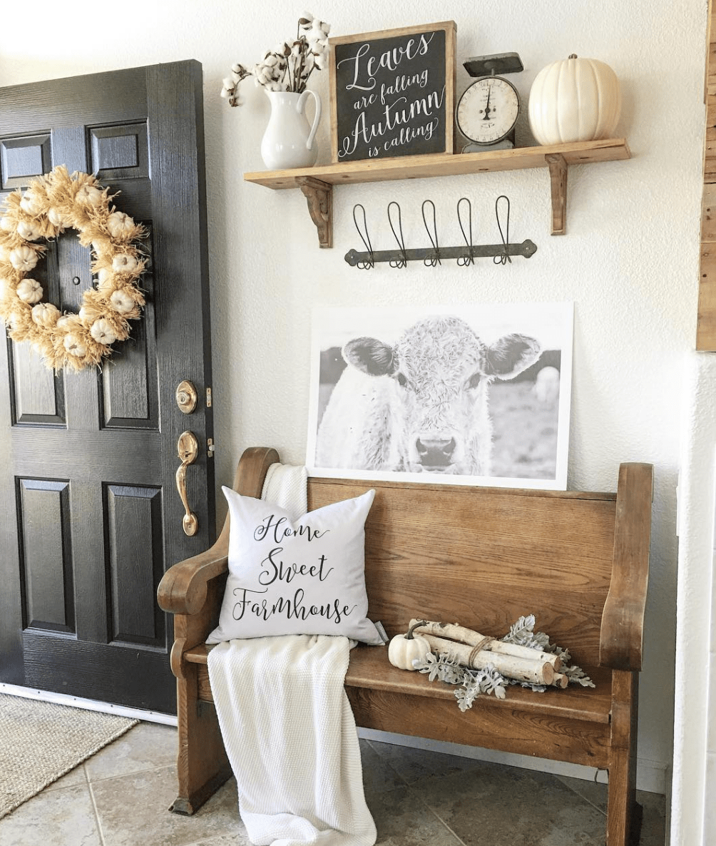 85 Charming Rustic Bedroom Ideas And Designs 4 In 2020: Charming And Budget Friendly Farmhouse Entryway Ideas