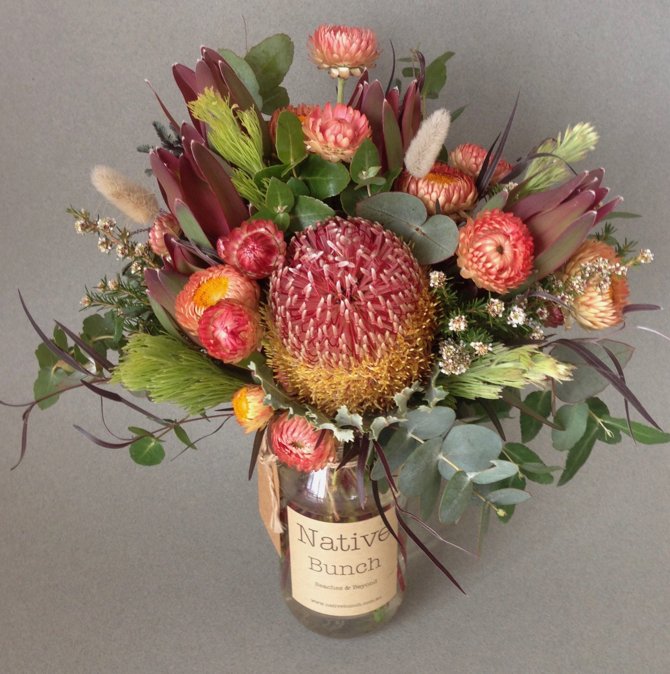 Australian Native Flowers Free Delivery This Week S Posy Banksia Leucadendron Strawflowers Woolly Bu Australian Native Flowers Flower Delivery Dried Flowers
