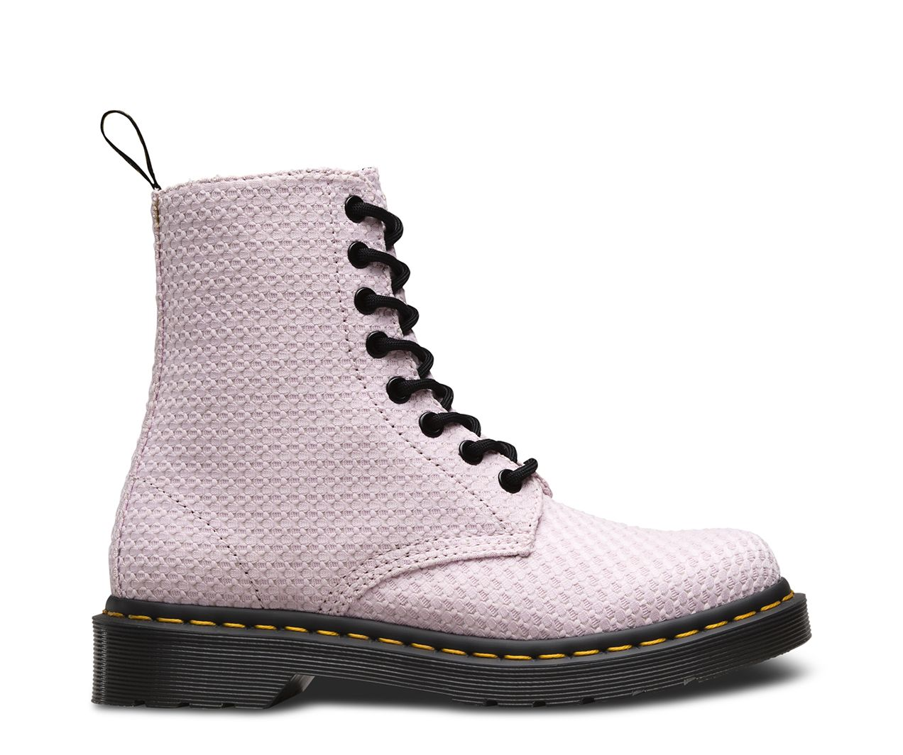 This Page boot was designed in light waffle cotton. Features all the classic Doc's DNA, like grooved sides, yellow stitching and heel tab, and our iconic air-cushioned sole.