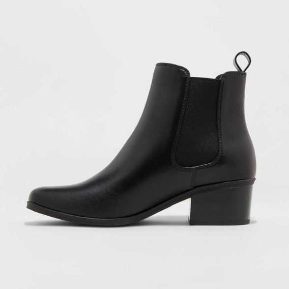 Chelsea boots, Faux leather heels