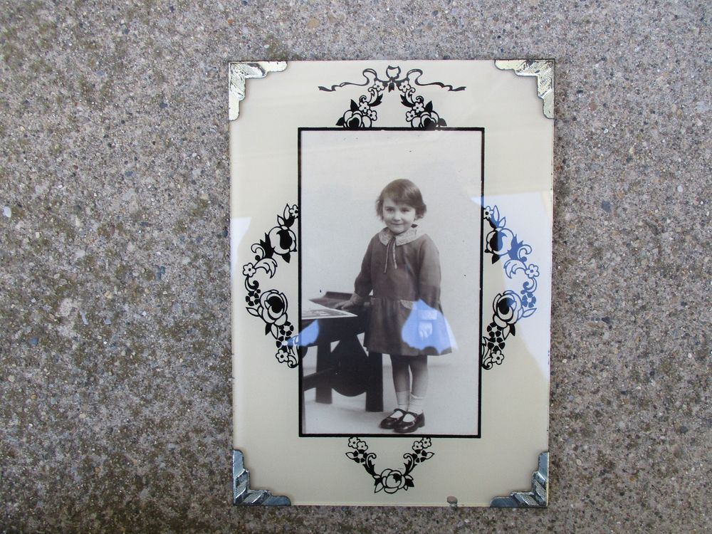 Vintage Art Deco Reverse Painted Glass Photo Picture Frame