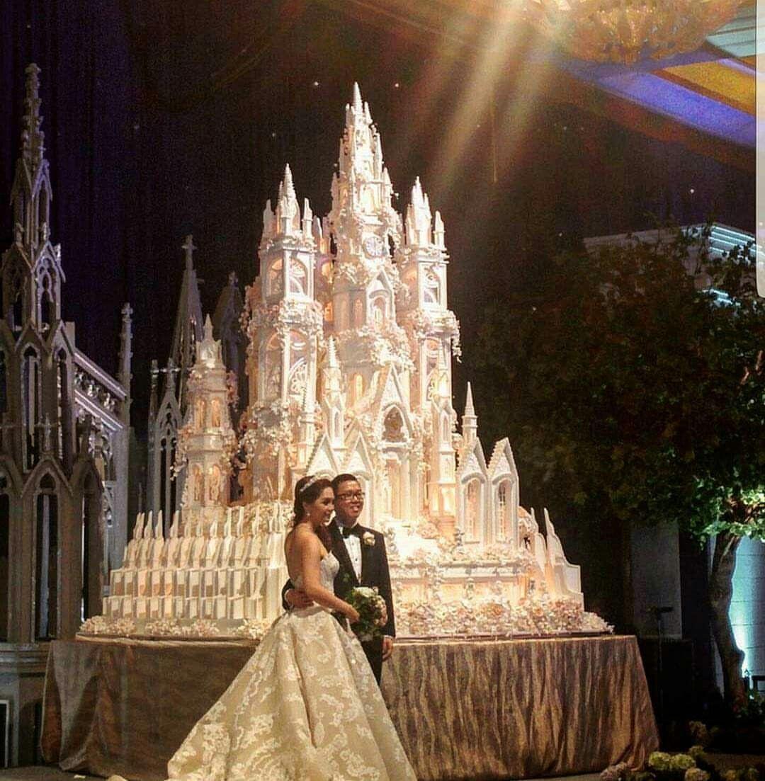 Omg!cake goals #lebaneseweddings #weddinginspo #weddinginspiration #planmywedding # my wedding #arabweddings #luxuryweddings # royal wedding #realweddings #love#marriage #fairytalewedding #weddingphotography # royal ##arabweddings ##weddingoftheyear #weddingofthecentury #bridetobe #bride #catering #art #huge #amazing #weddingflowers #weddingcenterpiece #castel #details #white #gold