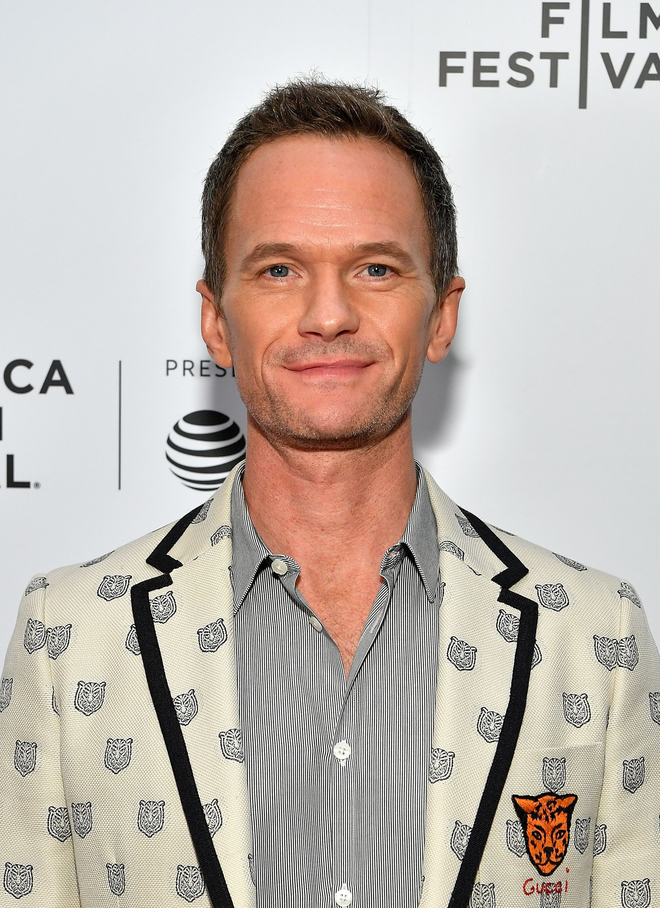 Actor Neil Patrick Harris On The Red Carpet Looking Very Handsome Photo Credits Getty Images How To Have Twins Celebrities Neil Patrick Harris