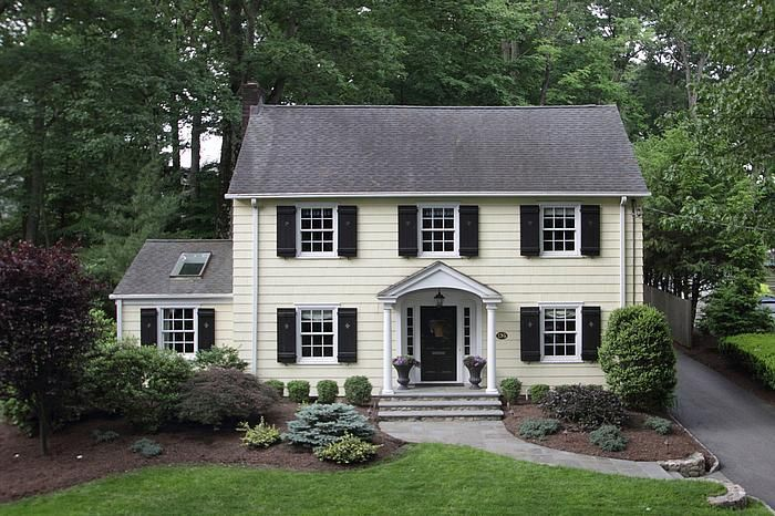 Small Centre Call Colonial House Exterior Pinterest Colonial - Colonial portico front entrance